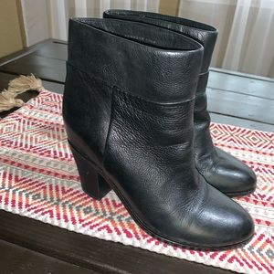 Kenneth Cole booties size 8.5